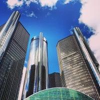 Das Foto wurde bei Detroit RiverWalk von J IV M. am 10/2/2013 aufgenommen