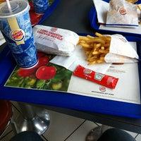 Das Foto wurde bei Burger King von Aleksandar R. am 3/19/2014 aufgenommen