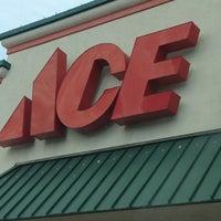 Photo prise au Kin-Ko Ace Stores Inc par KC J. le10/6/2012