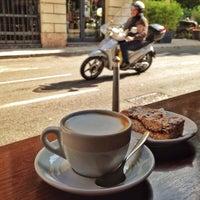 Снимок сделан в Tosca Caffè пользователем Viktoria M. 5/10/2017