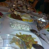 Das Foto wurde bei Alâ Nazik Gaziantep Mutfağı von Figen S. am 9/22/2013 aufgenommen
