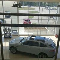 รูปภาพถ่ายที่ Land Rover/Jaguar โดย Андрей Н. เมื่อ 7/1/2016