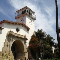 Foto tomada en Santa Barbara Courthouse por Charlie F. el 5/9/2013