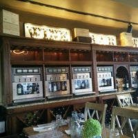 Das Foto wurde bei Parallel Wine Bistro von Andrea S. am 7/23/2016 aufgenommen