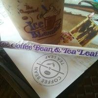 Photo taken at The Coffee Bean & Tea Leaf by Nabilah R. on 12/9/2016