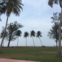 Foto tomada en Pantai Mersing por Khamisah G. el 4/1/2018