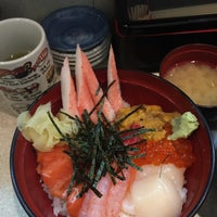 Photo taken at つきじ 丼匠 by Kye Lin L. on 3/10/2017