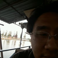 Photo taken at เรือนถาวร Home Stay & Seafood by Jin Z. on 2/28/2017