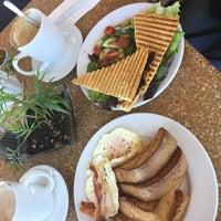 Foto tomada en Rico's Café Marina por Jose maria A. el 1/22/2017