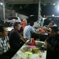 Photo taken at Bakmi Djowo Pak Doel Noemani by Tjatur U. on 4/10/2017