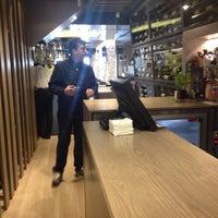 Foto tirada no(a) Restaurante Pasaje por LUISMAULLOA77 em 5/11/2014