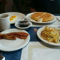 Photo taken at Spring Gardens Family Restaurant by Cathy H. on 4/16/2017