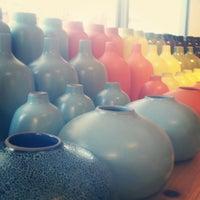 Photo prise au Heath Ceramics par Melanie K. le5/21/2013