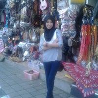 Photo taken at Pasar Umum Sukawati by Iiend I. on 2/3/2014