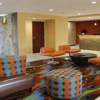 Photo taken at BEST WESTERN PLUS Fresno Airport Hotel by BEST WESTERN PLUS Fresno Airport Hotel on 2/18/2014