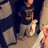 Photo taken at H&M | اتش اند ام by Mohammed Q. on 5/7/2017