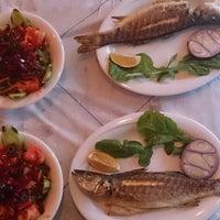 6/3/2014 tarihinde Nazlıcan Ç.ziyaretçi tarafından Fish & Meat House'de çekilen fotoğraf