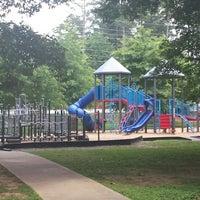 Foto tirada no(a) Terrell Mill Park por Patrick A. em 6/14/2014