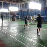 Photo taken at Lapangan Badminton Kantor Daerah by Sultan H. on 10/6/2013