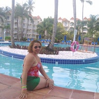 Photo taken at Barcelo Premium Pool by Grisely F. on 5/5/2014