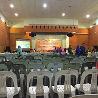 Photo taken at Ibu Pejabat Polis Kontinjen Selangor by Sarah F. on 11/5/2015