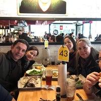 Das Foto wurde bei Hopdoddy Burger Bar von Samuel O. am 3/25/2018 aufgenommen