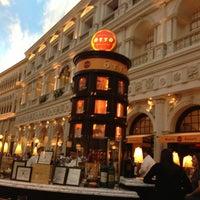 Photo taken at Otto Las Vegas by Samuel O. on 4/11/2013