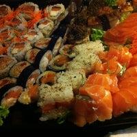 Foto tirada no(a) Hamadaya Sushi Bar por Danilo S. em 1/25/2015