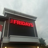Photo taken at TGI Fridays by Ariel F. on 5/1/2013