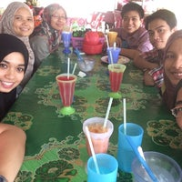 Photo taken at Kedai Makan No.9 Kerusi Hijau by Wan A. on 6/18/2014