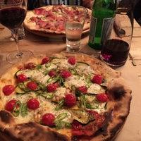 Foto tomada en Saco Pizza Bar por Geoffrey B. el 3/21/2015