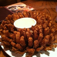 Photo taken at Outback Steakhouse by Wendy B. on 10/13/2013
