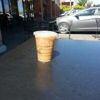 Photo taken at Starbucks by Hez B. on 4/23/2013