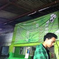Photo taken at Ayam Goreng Tulang Lunak Bengawan by Natalia C. on 11/25/2012