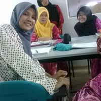 Photo taken at Perpustakaan KMK by nur athirah a. on 9/28/2013