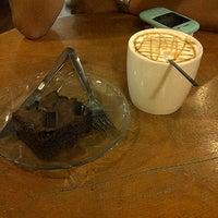 Foto diambil di Starbucks oleh brigitta h. pada 9/25/2012