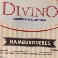 Foto tirada no(a) Divino Hambúrgueres & Espetinhos por Manoel F. em 12/11/2013