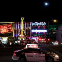 Photo taken at Hard Rock Cafe Las Vegas by Sarfarz S. on 1/28/2013