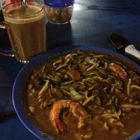 Photo taken at Char Kue Teow Bandar Pulai Jaya by __aunty-Tan__ on 9/29/2012