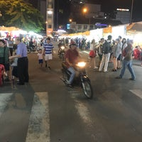 Photo taken at Ben Thanh Night Market by Muhammad Fauzi Y. on 8/8/2017