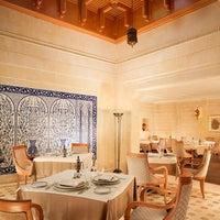 Das Foto wurde bei Sheraton Tunis Hotel von Sheraton T. am 5/5/2016 aufgenommen