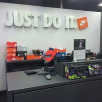 Photo taken at Nike Дисконт Центр by Кирилл Т. on 10/2/2015