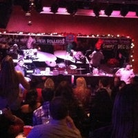 Photo taken at Sgt. Pepper's Dueling Piano Bar by Justin E. on 12/2/2012