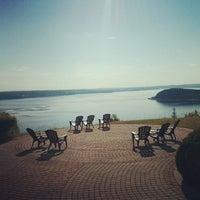 Foto scattata a Auberge La Tourelle du Fjord da Julie C. il 6/29/2014