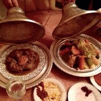 Photo prise au Restaurant Le Ziryab par Andrea N. le12/18/2014