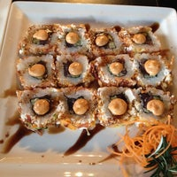 Photo taken at Japánika Sushi Bar & Teppanyaki by Robertha M. on 12/19/2013