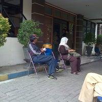 Photo taken at Kantor Kecamatan Ciledug - Kota Tangerang by Shaka O. on 10/17/2012