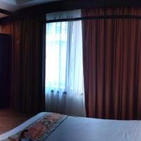 Photo taken at La De Bua Hotel by bebe 💍 on 10/25/2013