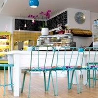 Das Foto wurde bei Flamingo Fresh Food Bar von Flamingo Fresh Food Bar am 9/18/2013 aufgenommen
