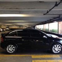 Foto scattata a Flash Car da Danielle R. il 8/26/2012